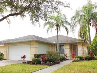 Private Villa with Security Gate, Sunset Lakes in Kissimmee