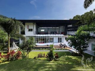 8 bdr Villa for short-term rental  Phuket - Chalong