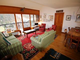 CONFIT by KlabHouse-3BR terrace w/view-300mt to Ski Slopes