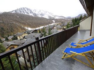 CONFIT by KlabHouse-3BR terrace w/view-300mt to Ski Slopes