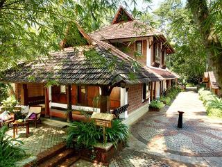 Kerala Pure Sparkling Alappuzha Heritage Villa