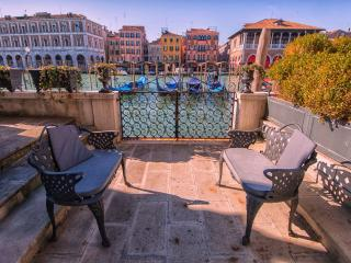 Hermitage - Amazing terrace with Grand Canal view, Veneza