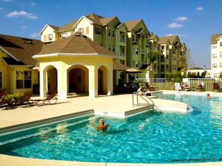 Beautiful Cane Island Condo with Pool, Sauna & Spa, Kissimmee