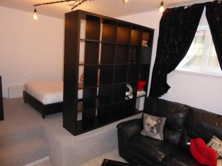 Small cosy flat near the underground station, Bucarest