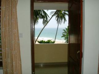 AMBALATHIL SEA VIEW A/C & NON A/C HOTEL, Kovalam
