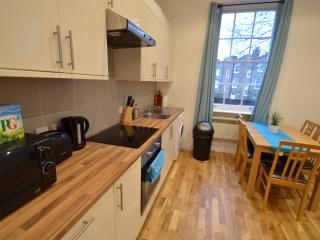 2 Bed Apartment near Angel & London City - 24, Londres