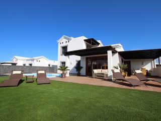 Traum Villa mit Meerblick und beheiztem Pool 28°