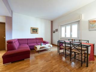 PALASCIANO STREET - roomy & friendly Monteverde, local experience in a cheap way