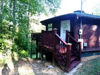 Low Fall Rates*Baby Bear's Bungalow Very Close to Downtown Gatlinburg