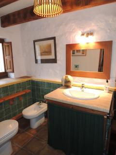 Cortijo bathroom