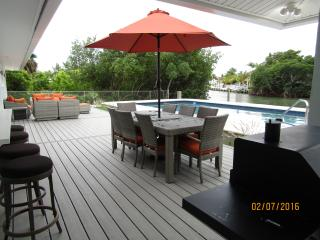 New Rental Like New  - Sombrero Beach Gem