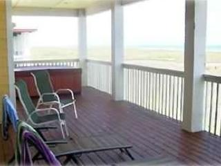 Beachfront, Big, Beautiful Home w/ Hot Tub, Port Aransas