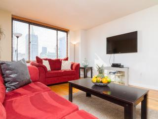 Beauiful 20th Floor 2BR In Luxury DoormanBuilding
