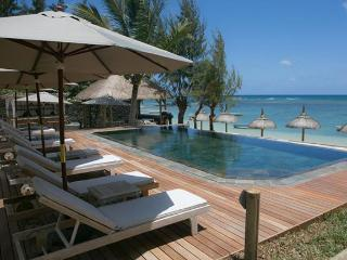 BOUTIQUE HOTEL ON THE BEACH FRONT DE LUXE ROOM, Pointe aux Canonniers