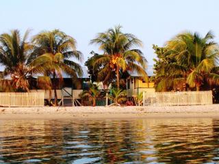 Coconut Cottage (Westbys Coconut Cottage Placencia)