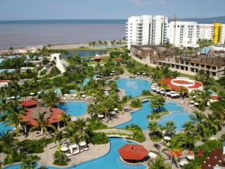 Best weekly rental rates at all Mexican hotspots!
