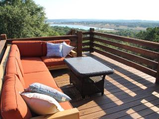 Hill Country Haus - A Texas Hill Country Escape, Canyon Lake