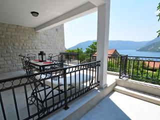 Risan, Milita Apartment - DUPLEX WITH SEA VIEW