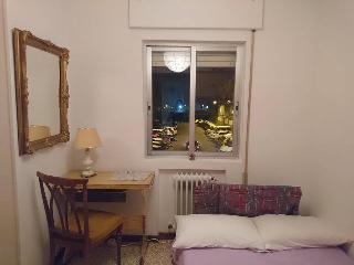 Habitacion con cama matrimonial y 2 Armarios, Alcala De Henares