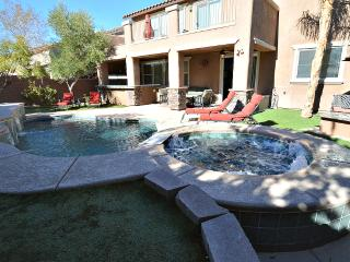 NV7197 wow! spacious 5 bed 3 bath with pool/spa, Las Vegas