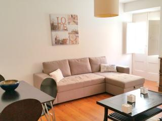 Central Charmy Flat renovated next Restauradores, Lisbonne