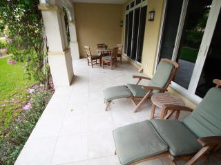 Ground Floor Full One Bedroom., Turtle Cove