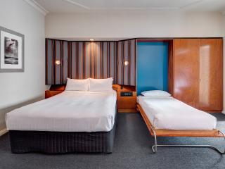 Regents Court Sydney - Studio Apartment Hotel
