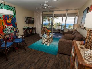 Panoramic Ocean View Apartment in Maui
