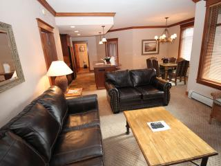 Spacious Corner unit. Larger Floorplan. June Special from $125/night., Copper Mountain