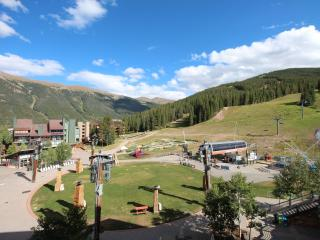 Washer/ Dryer in unit!. June Special $125/night!, Copper Mountain