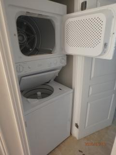 stack-up unit for laundry/ drying towels