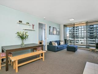 ASCOT - Fantastic 2 bedroom apartment