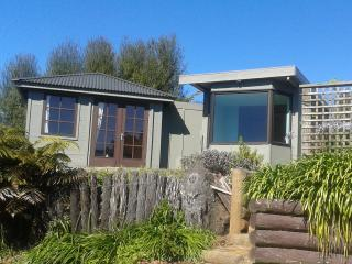 Two rustic Bach's in idyllic NZ bush setting