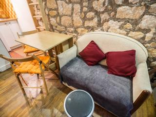 Le Marais, Cosy Apt, Great Location