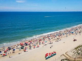 Bright, clean condo w/ocean view, shared pool & tennis, Ocean City