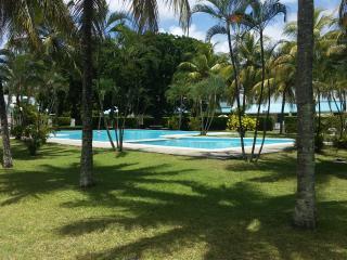 Cozy modern sunny villa Pereybere