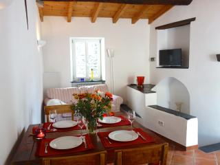 House Beautiful Village a Montalto, 12km dal mare, Montalto Ligure