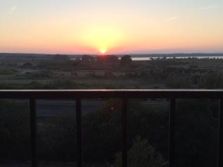 Cosy apartment 150 mts to the beach & sunset views, La Mata