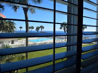 1 bed/ 1 bth Gulf Front Condo. NO Smoking NO Pets, Fort Walton Beach