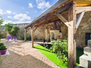 MAISON DU PRESSOIR Maison de village bord de Loire