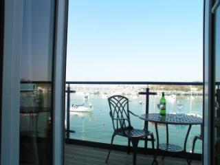 Comfortable holiday home with lovely views of sea, Plymouth