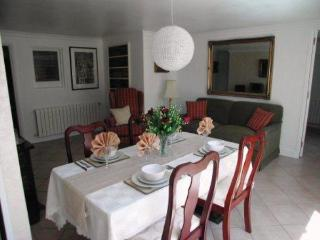 Smart 2 bedroom apt. in quiet residential area, L'Estartit