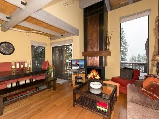 North Shore Condo # 6 - Designer 4 BR with HOA Pool, Tennis & Beach, Tahoe City
