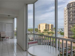 Casa Marina II 353, Canal Front, Elevator, Heated Pool, Tennis, Fort Myers Beach