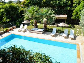 Bitez Holiday Villa BL9725430217