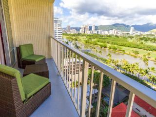 1BR Condo In The Heart Of Waikiki!, Honolulu