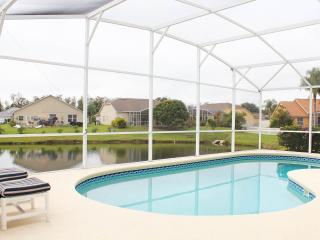 DISNEY ORLANDO LAKE 4 BED LUXURY POOL VILLA, Kissimmee