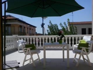 Lola's Apartment, Stintino