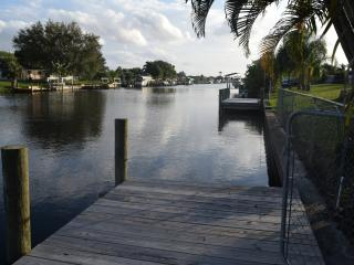 Water Front with private dock,cable,internet, Port Charlotte
