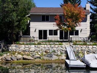 Waterfront Fun - Private Boat Dock, Hot Tub, Space to Spare, South Lake Tahoe